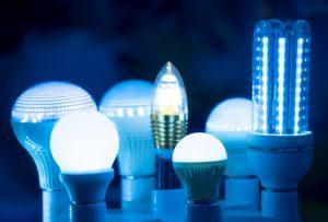 Seven Kinds of LED Lightbulbs Turned on in the Dark